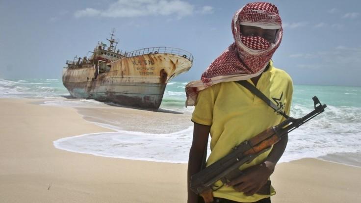 Somálski piráti opäť zaútočili. Uniesli ropný tanker a žiadajú výkupné