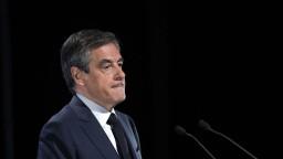 Fillon absolvuje výsluch, súd ho predbežne obvinil z viacerých podvodov