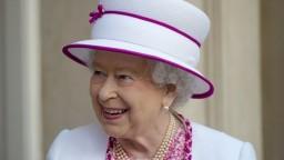 Britská kráľovná podpísala zákon o Brexite, vláda môže začať konať