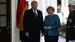 Trump uistil Merkelovú o podpore NATO, spomenul aj odpočúvanie