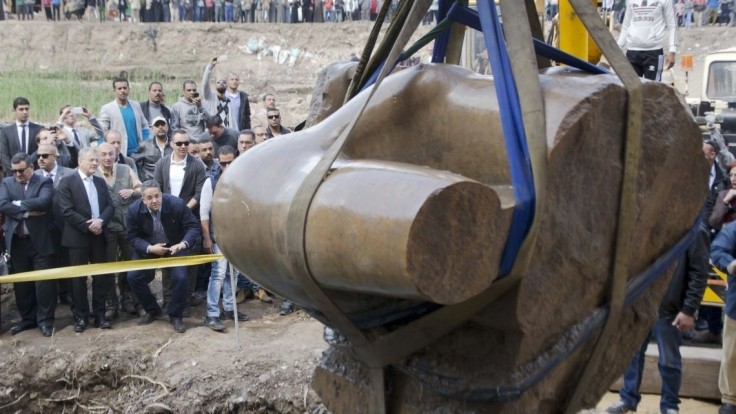 Obrovská socha faraóna, ktorú objavili v Káhire, nezobrazuje Ramzesa II.