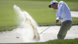 Hviezdy golfu na Bay Hill neoslnili, niektorí sa ešte hľadajú