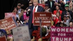 Trumpovej ochranke ukradli notebook s tajnými informáciami