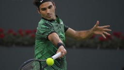 Federer postúpil do semifinále bez boja, čaká ho Sock