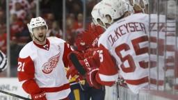 NHL: Trojbodový Tatar pomohol Detroitu k výhre, Sekera asistoval