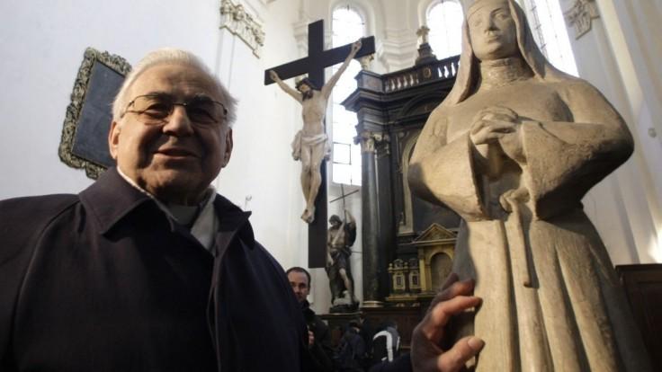 Kardinála Vlka pochovajú v sobotu v Chráme svätého Víta