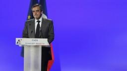 Francúzski kandidáti na prezidenta sa po prvýkrát stretnú v televíznej debate