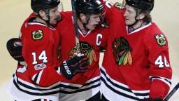 NHL: Chicago si zaistilo účasť v play off, Pánik skóroval