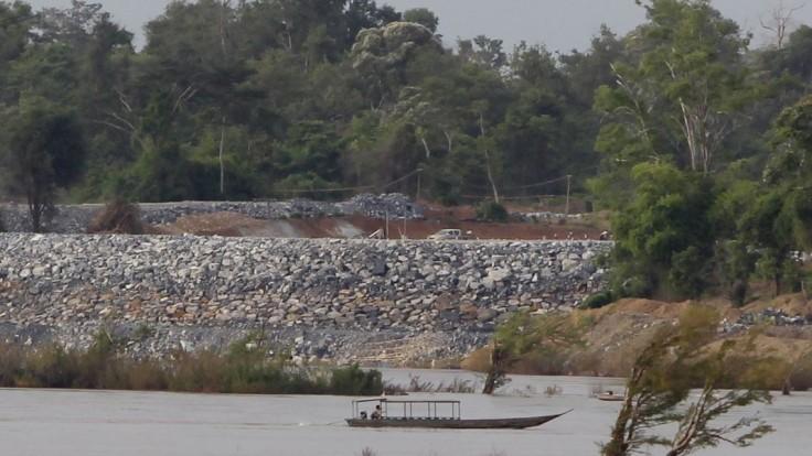 Opití Vietnamci vypustili priehradu, voda zaplavila dve dediny