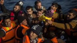 Grécko ohlásilo zvýšený počet migrantov, dôvodom je lepšie počasie