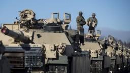 NATO posilňuje východnú hranicu, do misie zapojí stovky vojakov