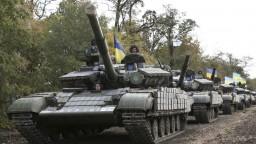 Na východe Ukrajiny hlásia ťažké boje, nasadili aj tanky