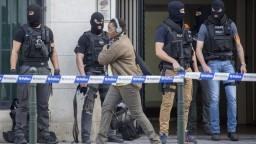 V Bruseli zavládlo ticho, mesto si pripomenulo teroristické útoky