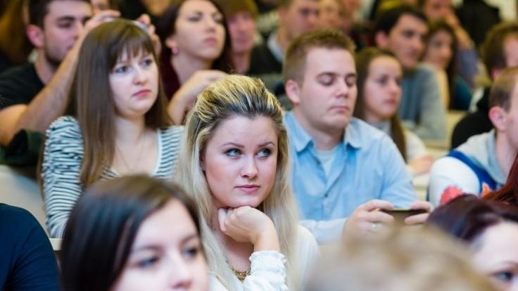 Dostať sa na pedagogickú fakultu by malo byť po novom ťažšie