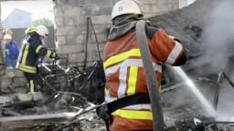 Na Ukrajine vybuchol sklad s muníciou, záchranári evakuovali tisíce ľudí
