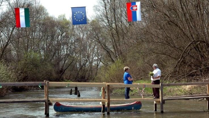 Hranica medzi Slovenskom a Maďarskom sa posunie, rozhodli poslanci