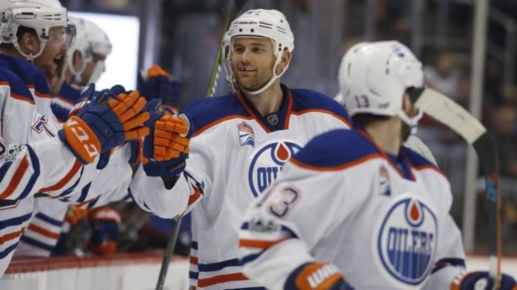 NHL: Sekera s troma bodmi, skórovali aj Chára, Hossa a Gáborík