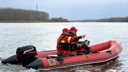 Polícia vypátrala muža, ktorý údajne hodil do rieky dieťa