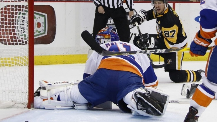 Halákov víťazný návrat, 37 zákrokmi doviedol NY Islanders k triumfu