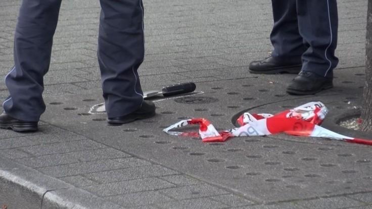Bratislavskí policajti postrelili muža, ktorý sa im mal vyhrážať mačetou