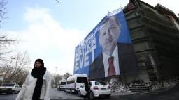 Turecko môže usporiadať referendum o vstupe do EÚ, vyhlásil Erdogan