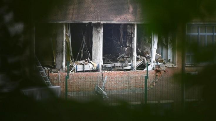 V anglickom mestečku sa zrútila budova, hlásia množstvo zranených