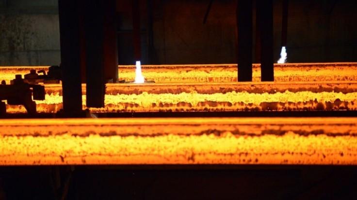 Pracovník železiarní v Podbrezovej spadol do horúceho železa