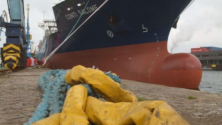 V prístave našli obeseného muža, mal pri sebe žiadosti o azyl