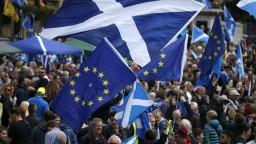 Sturgeonová chce nezávislé Škótsko, o návrhu rozhodne parlament