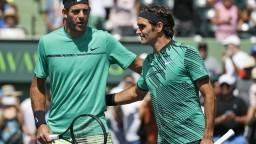 Identický výsledok posunul Federera a Wawrinku do osemfinále