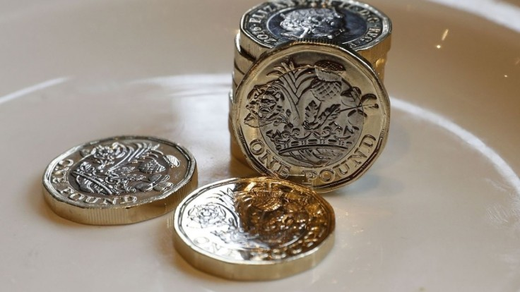 Briti majú novú jednolibrovku. Ako prvá minca obsahuje hologram