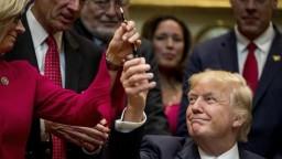 Prezident Trump ide rušiť ekologické opatrenia svojho predchodcu