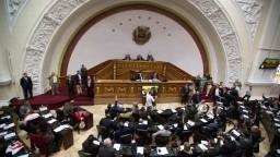 Parlamentu vo Venezuele zoberú kompetencie, vraj nerešpektuje nariadenia