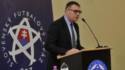 Bývalého rozhodcu neuviedli do funkcie, zvažuje žalobu na SFZ