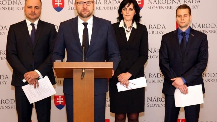 Traja poslanci za SaS oznámili kandidatúru na posty županov