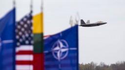 Hrozby terorizmu a Ukrajina boli hlavné témy rokovaní šéfov diplomacií NATO