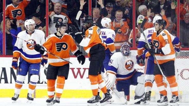 NHL: Halák vychytal víťazstvo Islanders, Hossa strelil víťazný gól
