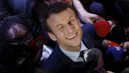 Macron chce vyhnať Národný front z krajiny. Vo voľbách si verí
