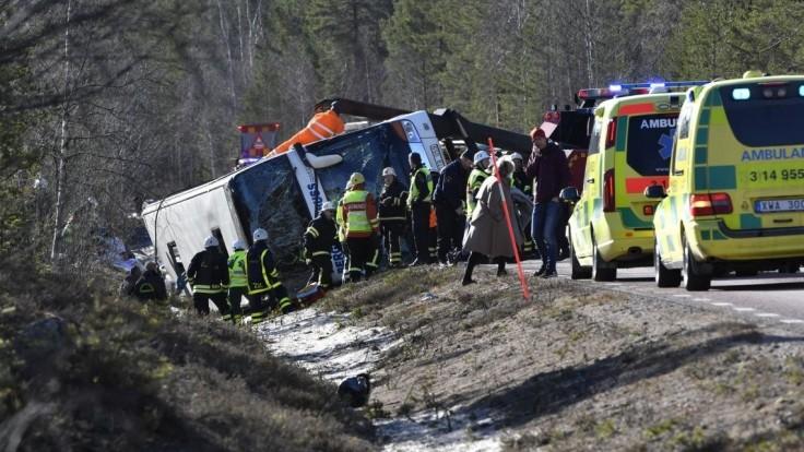 Vo Švédsku havaroval školský autobus, hlásia obete