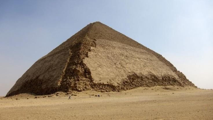 Egyptskí archeológovia objavili zvyšky doteraz neznámej pyramídy