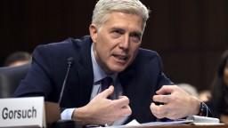 Odobrili Trumpovho kandidáta na Najvyšší súd, rozhodnú senátori