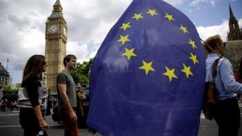 Europarlament má predstavu o Brexite. Prioritou sú práva občanov