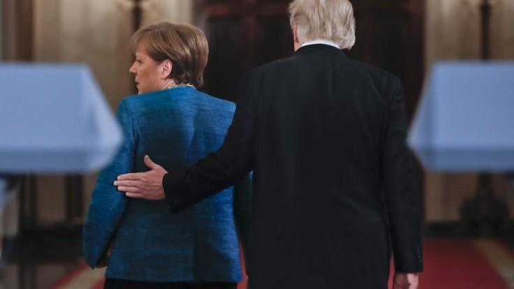 Merkelová telefonovala s Trumpom, témou boli spoločné obavy aj záujmy