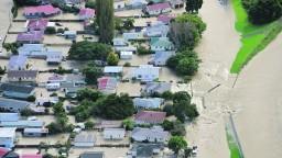 Nový Zéland postihli rekordné zrážky, tisíce ľudí evakuovali