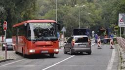 Zrútené skaly obmedzili dopravu na Devínskej ceste