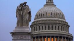 Americký Senát mení pravidlá. Zvýhodnia Trumpovho nominanta
