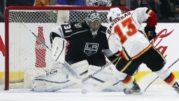 NHL: Halák udržal Islanders v hre o Play-off, Ottawa má istotu