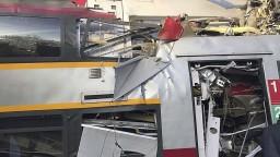 V Moskve sa zrazili vlaky so stovkami cestujúcich, hlásia zranených