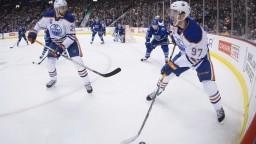 Halák vychytal víťazstvo pre Islanders, ale do play-off ide Toronto