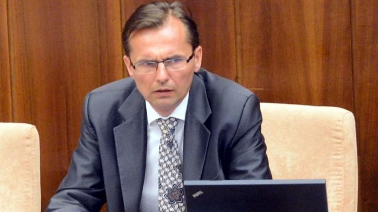 Galko chce splniť záväzok voči NATO, navrhuje zmenu ústavného zákona